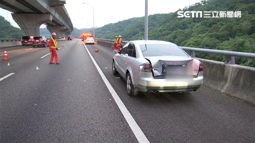 五楊高架車故障停路肩,男下車求救遭撞飛慘死