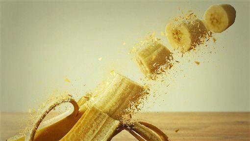 (圖/Pixabay)香蕉,香蕉皮,割斷,咬斷,生殖器