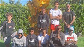 NBA/詹皇後院開趴!網:甜瓜呢? NBA,香蕉船兄弟,LeBron James,Carmelo Anthony,Chris Paul,Dwyane Wade 翻攝自IG kingjames