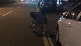 女坐輪椅疑被丟包/翻攝自臉書爆料公社