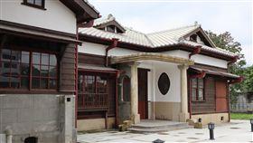 台鐵花蓮管理處長官邸(1)登錄為歷史建築的台鐵花蓮管理處長官邸,由台鐵整修完成,預計下月招商。中央社記者李先鳳攝 108年5月25日