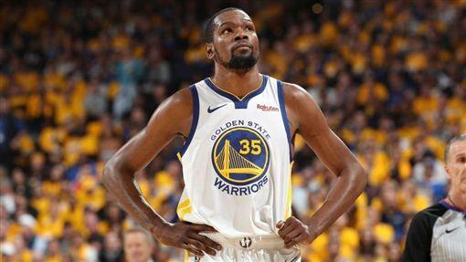 NBA/復出近了?杜蘭特隨勇士出征NBA,季後賽,金州勇士,Kevin Durant,受傷翻攝自推特
