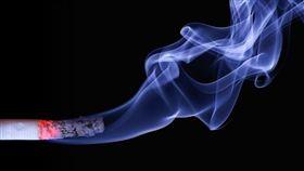 抽菸,吸菸,男人 圖/pixabay