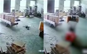 中國大陸,工廠工人遭堆高機輾斃(圖/翻攝自微博)