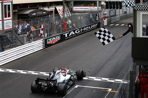 ▲Mercedes-AMG Petronas Motorsport車隊拿下摩納哥分站冠軍。(圖/Mercedes-Benz提供)
