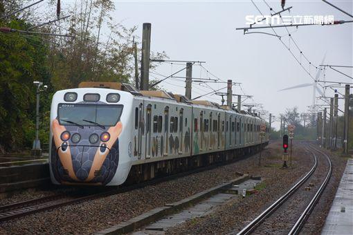 里山動物列車,台鐵局,彩繪,生態系,/台鐵局提供,顏贊成攝影