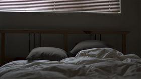 -枕頭-床-棉被-(圖/pixabay)