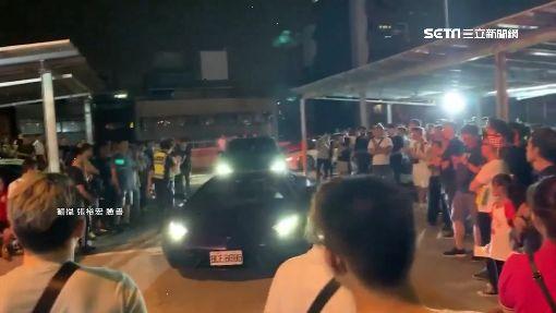 深夜音浪有夠吵!居民抗議 警到場怒吼驅趕