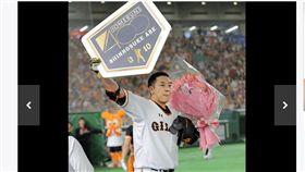 ▲讀賣巨人強打阿部慎之助擊出生涯400轟。(圖/截自日本媒體)