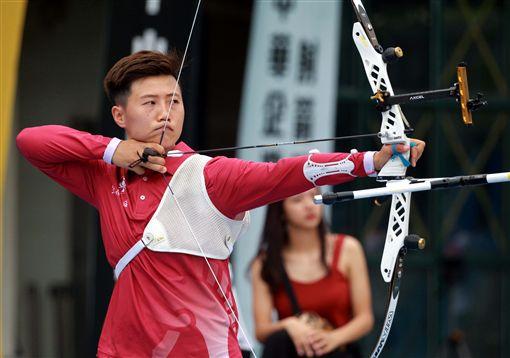 ▲雷千瑩為台灣爭奧運門票。(圖/中華企業射箭聯盟提供)