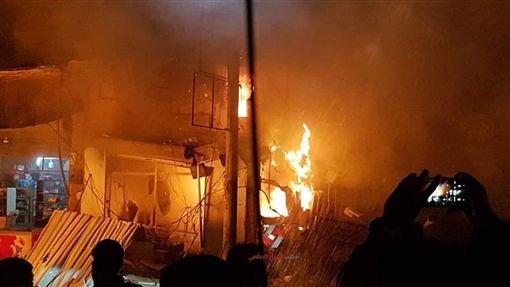 敘利亞西北部汽車炸彈自殺攻擊。(圖/翻攝自推特)