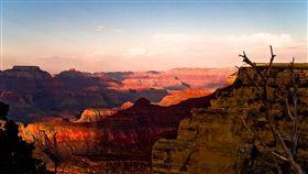 美國大峽谷 Grand Canyon https://www.flickr.com/photos/fundenburg/2615403792/in/photolist-4Z7CqQ-pp3RKW-pFsZTv-pp2FGi-28t4FcR-4DZxKd-f8DTU5-oJMGeH-VYkyPm-poWoZn-Wm2FUN-cZ4vYS-faZQX-8RKEe7-pDvg7q-VSQTP2-p9Ur