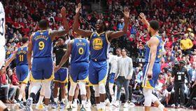 NBA/「一波流」屠龍!勇士扳平 NBA,季後賽,金州勇士,Stephen Curry,Klay Thompson,多倫多暴龍 翻攝自NBA官方推特