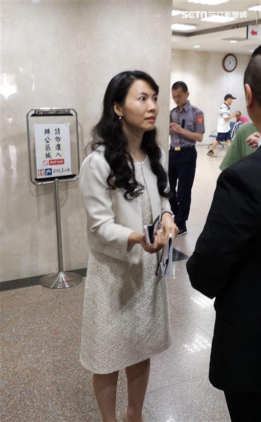 一日檢察官,陳玉萍,台北地檢署,主任檢察官,木曜4超玩。翻攝畫面