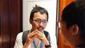 (16:9)WWDC今年獎學金  華人最年輕得主15歲蘋果(Apple)全球開發者大會WWDC將於6月3日至7日舉行,15歲的于偉奇是今年WWDC獎學金大中華區最年輕得主,獲獎作品Cryptography & Privacy展示端對端加密等密碼學基本概念,希望讓更多人了解保護隱私的重要性。中央社記者吳家豪舊金山攝  108年6月3日