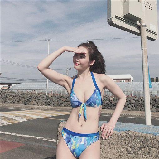 玩很大,Albee,舒子晨,巫苡萱,梁凱莉,比基尼/翻攝自舒子晨IG