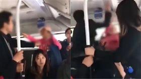 (圖/翻攝自微博)中國,大媽,踩人,正義哥,巴頭