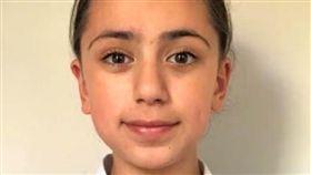 伊朗,11歲女童塔拉夏利法(Tara Sharifi)接受門薩舉辦的智商測驗,測出162分的高智商。圖截自Bucks Herald