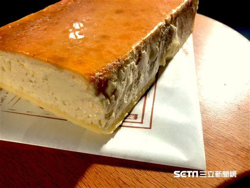 結合在地酪農特色,製作特濃的乳酪蛋糕。