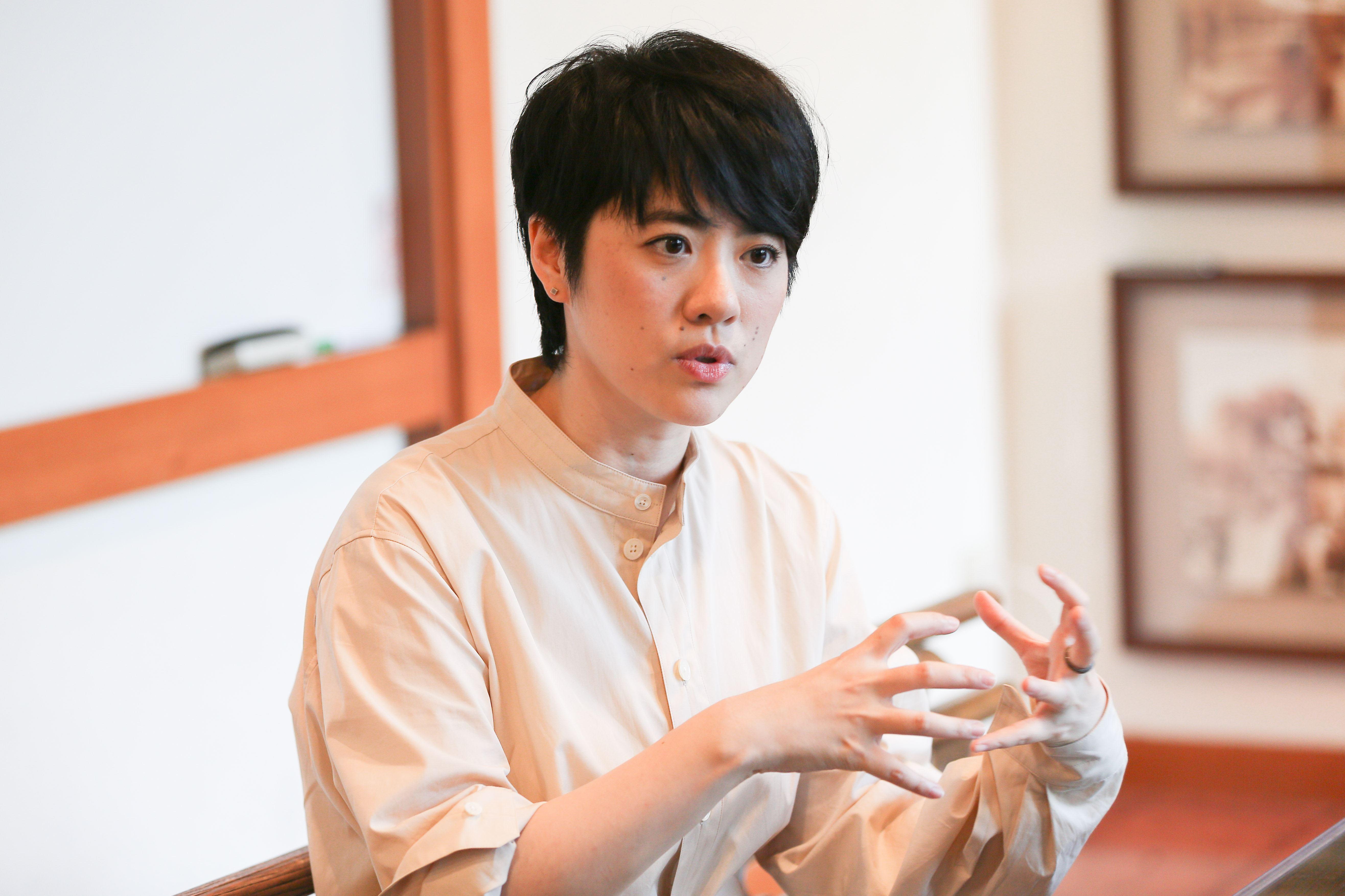 岑寧兒接受三立新聞網專訪。(記者林士傑/攝影)