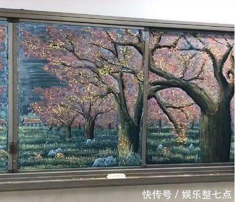 真的跪了!老師用粉筆畫出絕美山水畫 學生:捨不得擦黑板圖/翻攝自抖音