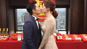蔡昌憲今年6月與空姐女友登記結婚 圖/翻攝自臉書