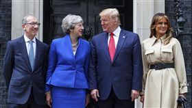 英國首相梅伊卸任前與美國總統川普會晤 圖翻攝自Theresa May推特