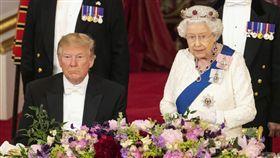 美國總統川普、英國女王伊莉莎白二世 圖/美聯社/達志影像
