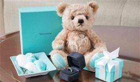 呼應西洋情人節,品牌特地準備浪漫情人節禮物送給朴敏英。(圖/Tiffany)