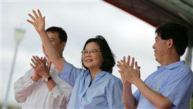 蔡英文出席台北國際龍舟錦標賽。(總統府提供)