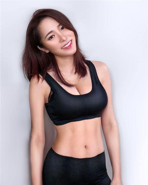 美女牙醫師劉芷伊(劉芷伊提供)