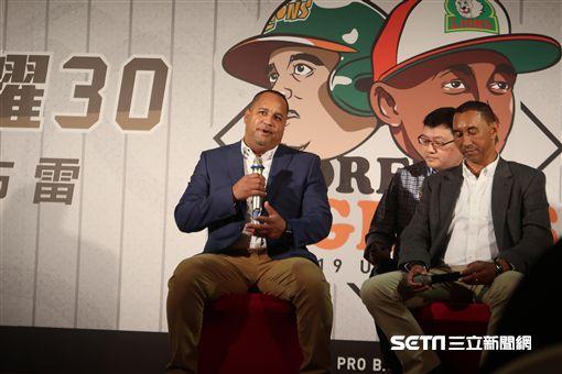▲統一獅邀請隊史選手Tilson Brito(布雷)與Jose Nunez(王漢)回台灣出席活動。(圖/記者王怡翔攝影)