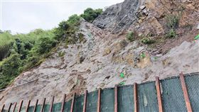 阿里山公路部分路段管制通行阿里山公路(台18線)41.1公里處石籠擋土牆發生側擠變形情況,引發用路人疑慮,目前已展開修補工程,施工期間實施交通管制,採單線雙向通行。(公路總局第五區養護工程處提供)中央社記者黃國芳傳真 108年6月6日