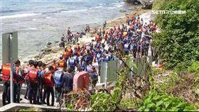 小琉球上萬遊客塞爆 海邊