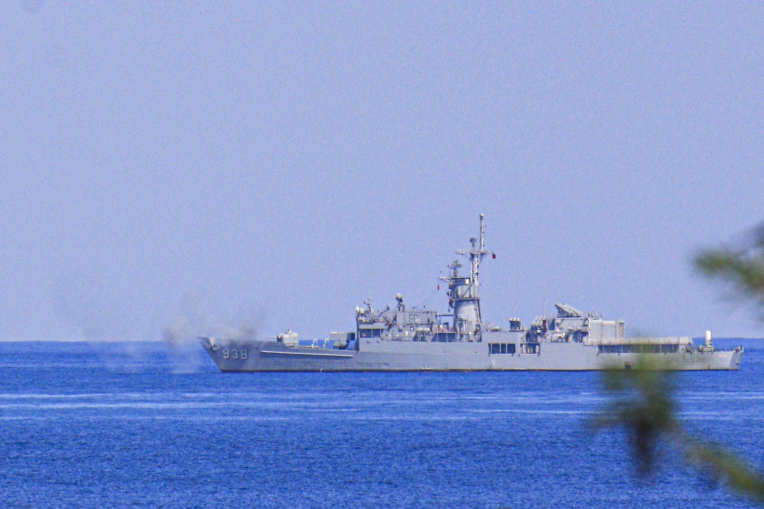 漢光卅五號演習於屏東滿豐射擊場實施,圖為FFG-938 寧陽艦(濟陽級巡防艦)。〔記者林士傑/屏東拍攝〕
