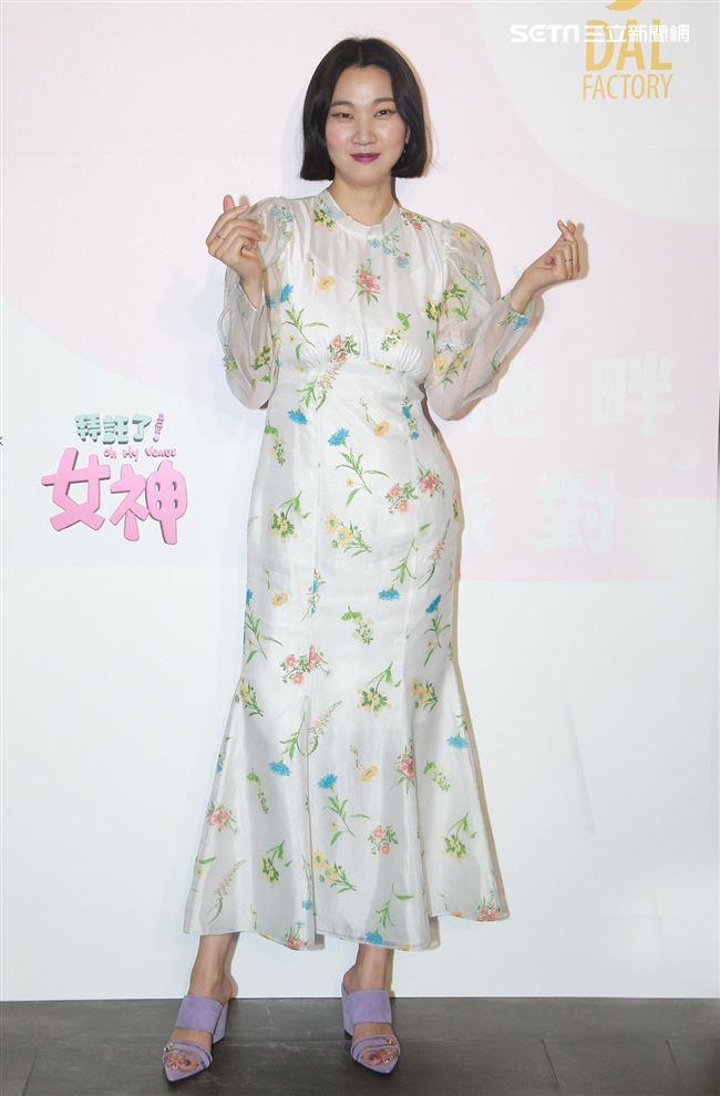 韓國美妝前線節目「get it beauty」超模主持人張允珠,來台錄製美妝節目。(記者邱榮吉/攝影)