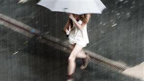 下雨-flickr Nick Grosoli