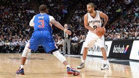 NBA/帕克這一招 保羅至今未參透 NBA,聖安東尼奧馬刺,Tony Parker,Chris Paul 翻攝自推特