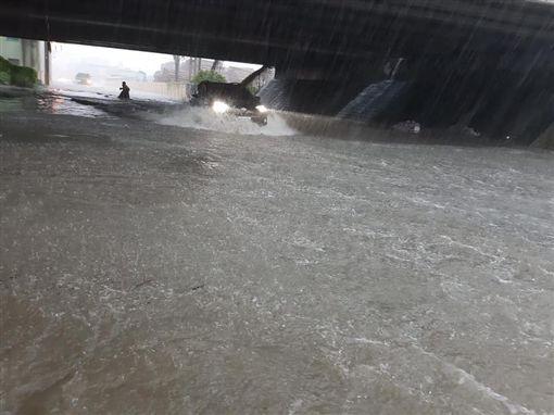 豪雨,高雄,淹水,岡山,阿蓮