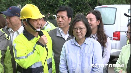 蔡英文總統11日視察「觀音區樹林里自主防災社區」。