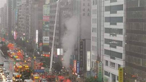 台北,松山,南京東路,火警。翻攝畫面