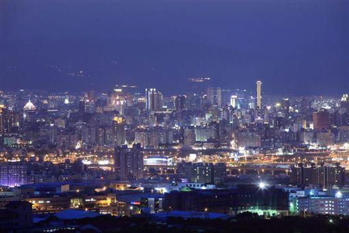 台中望高寮夜景/翻攝自台中市觀光旅遊網