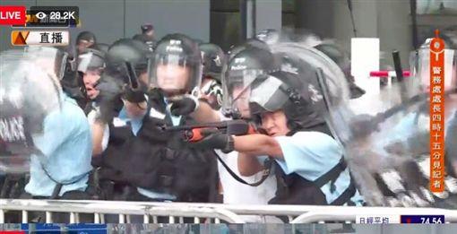 香港反送中運動,港警開槍。(圖/張秀賢提供)