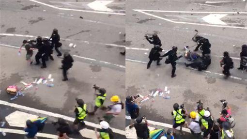 反送中》數十港警持棍圍毆1抗議民眾 影片曝光網友嚇壞(圖/翻攝自爆廢公社臉書)