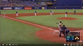 ▲運動家羅瑞亞諾(Ramon Laureano)滿貫砲破解光芒防守布陣。(圖/翻攝自MLB YouTube)