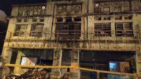 台南麻豆電姬戲院整修建物惹議(1)被台南市政府列為歷史建築的麻豆電姬戲院近日疑有拆除工程進行,引發地方民眾關注,擔心文化資產受損。中央社記者楊思瑞攝  108年6月11日