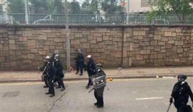 香港,反送中,警察,法國,記者,嗆聲(圖/翻攝自Hong Kong Hermit推特)