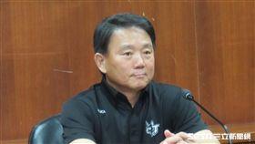▲世界棒球12強賽中華隊總教練洪一中身穿台灣犬T恤出席選訓會議。(圖/記者蕭保祥攝影)