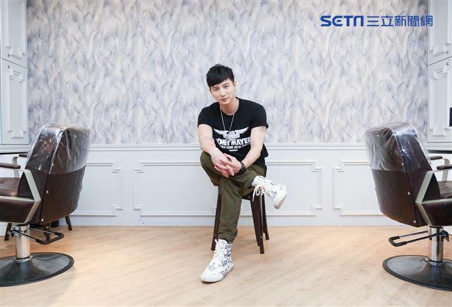 小煜接受三立新聞網專訪。(記者林士傑/攝影)