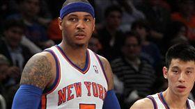林書豪與Carmelo Anthony。(圖/翻攝自推特)